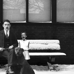 Meneer Dackus en Yvonne in sneeuw
